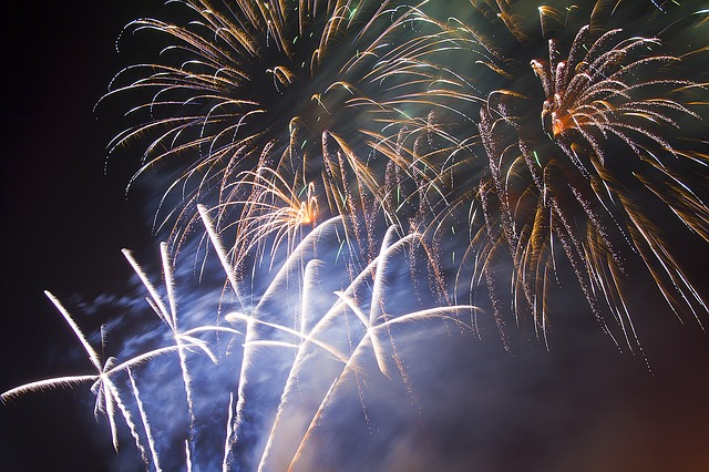 fireworks-1285271_640